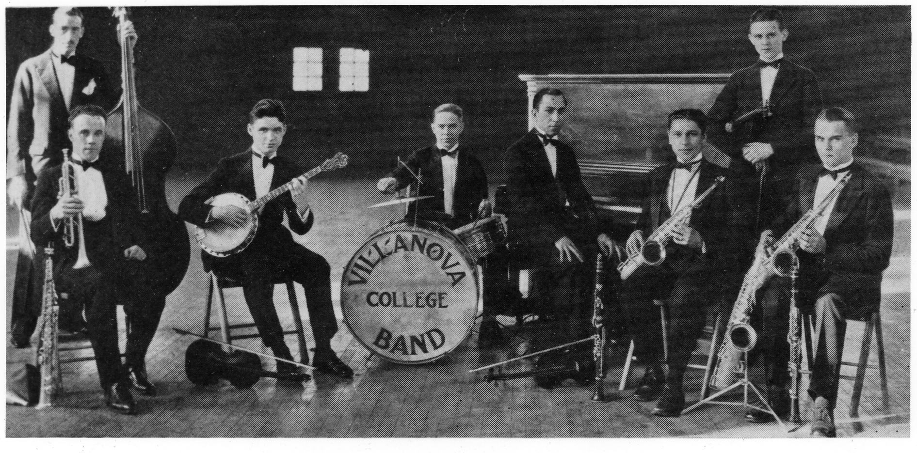 The 1927-college dance band