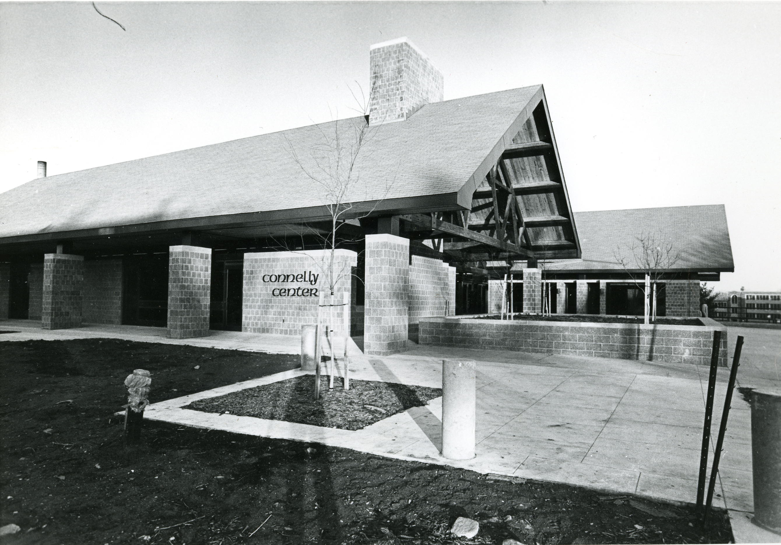 Connelly Center, 1980