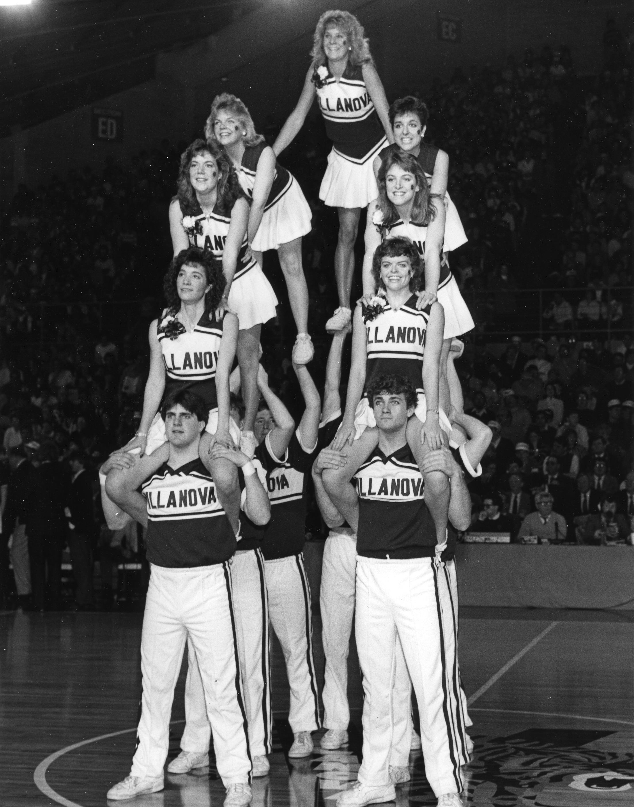 Villanova Cheerleaders, 1986
